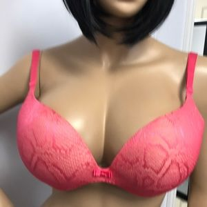 Incredible by Victoria Secret Plunge bra S 34DD.